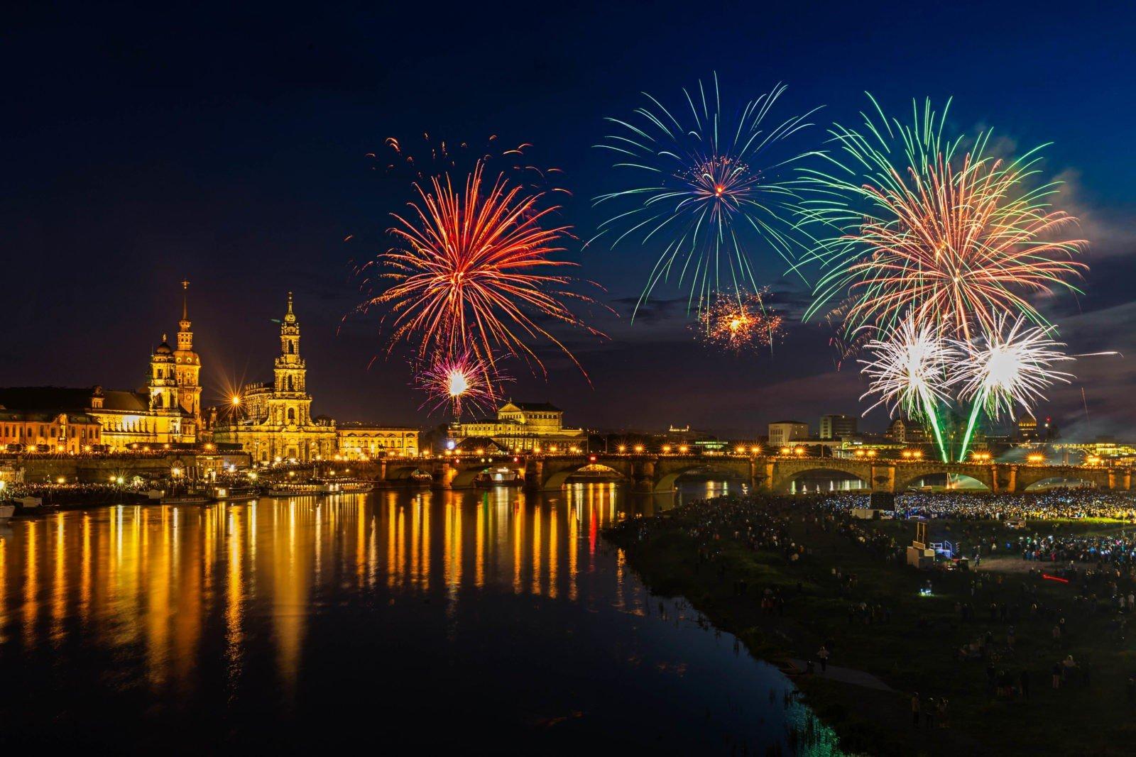 Wir begrüßen das neue Jahr 2017! - Mitteldeutsche Institut MIQR